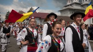 Parade in traditional Romanian costumes