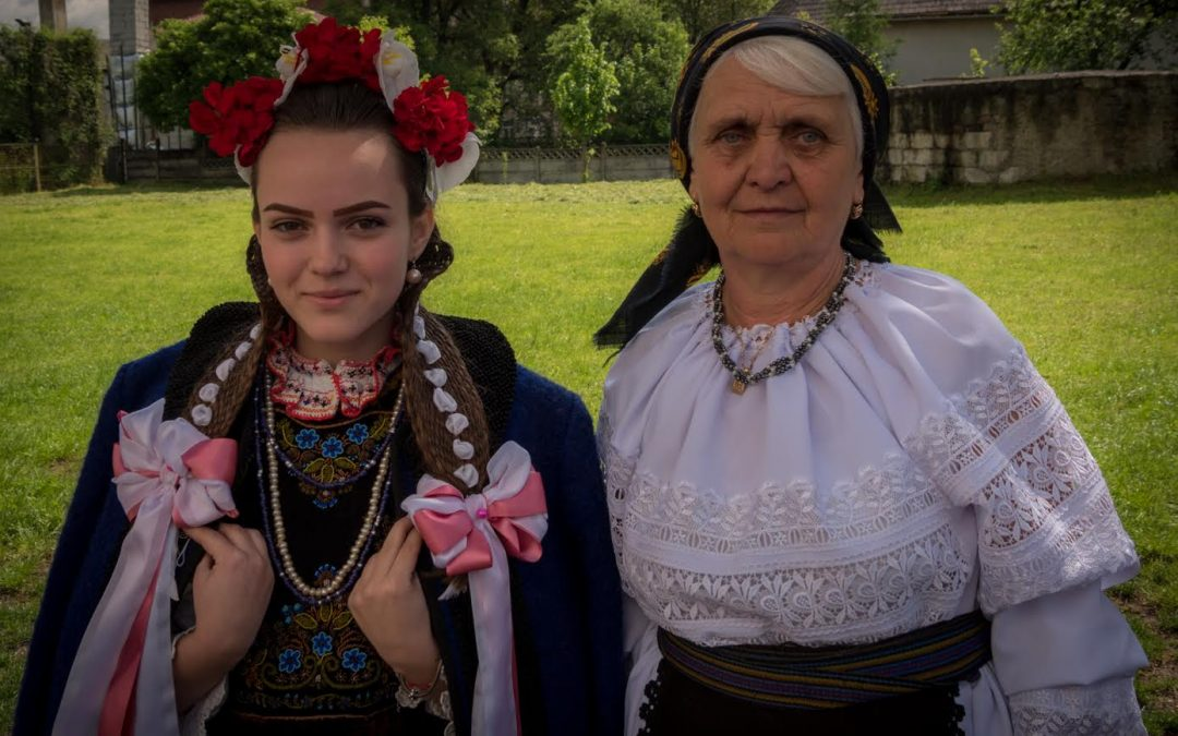 World Record set by Romanian Traditional Clothing and Dance