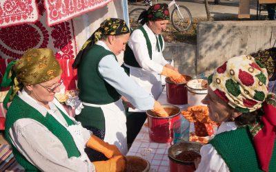 Sancraiu Rosehip Festival in Transylvania
