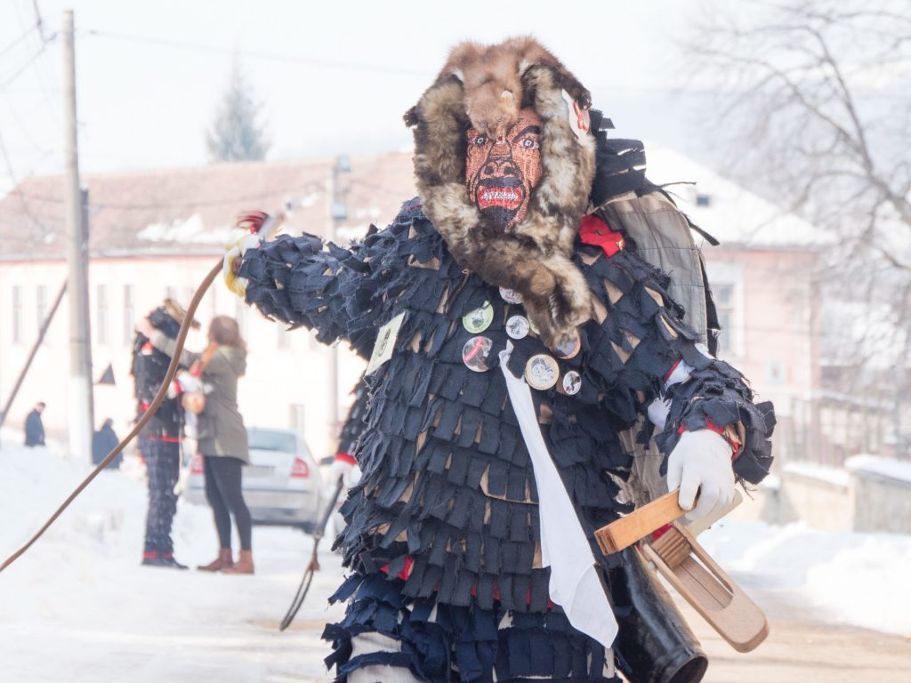 Transylvanian Saxon Customs - Lola on the street