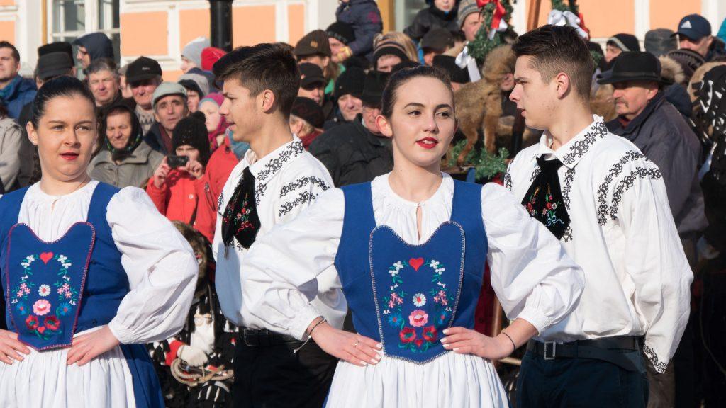 Transylvanian Saxon Customs - people dancing