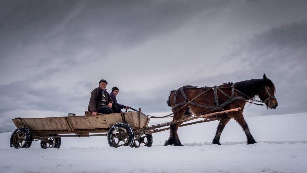 Winter-Photo-Tour-of-Romania-Countryside-980x551